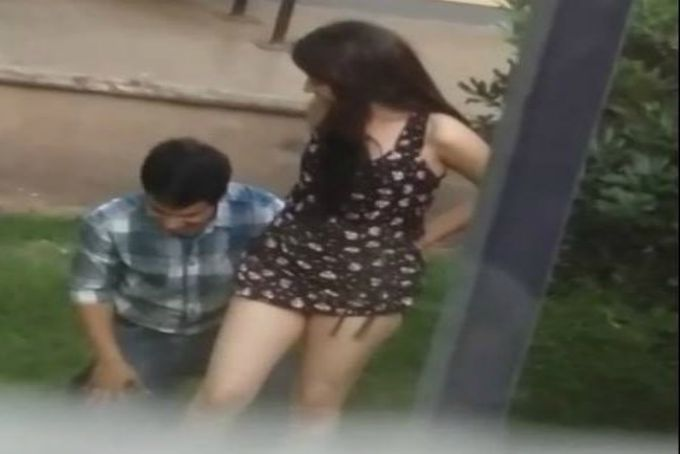 VIDEO: Graban a adolescentes teniendo relaciones
