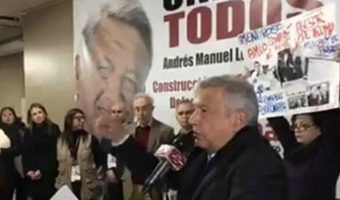 VIDEO: Increpan a AMLO durante mitin en Nueva York