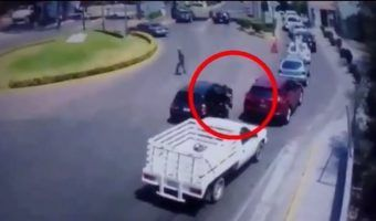 Video: Captan asalto a automovilista en zona exclusiva de Atizapán
