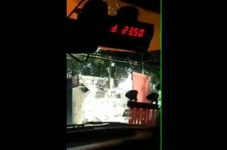 VIDEO: 'Lavacoches' descubre en taxi 'trampa' para alterar el taxímetro
